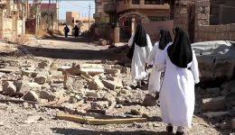 iraqi-sisters-return-to-qaraqosh